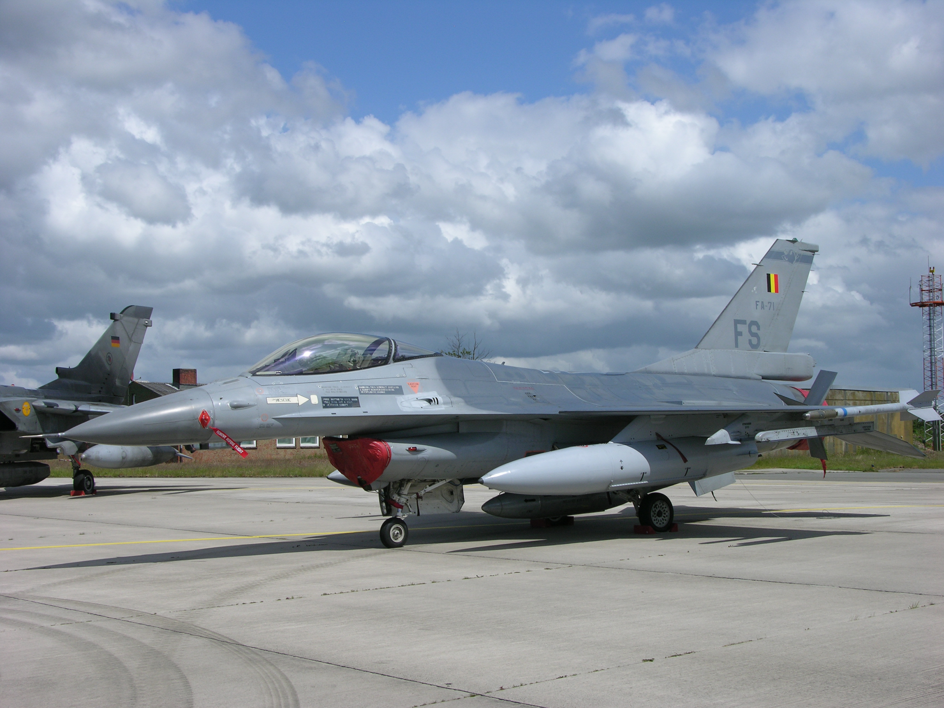 F 16AM of the Belgian Air Component of the Belgian Armed Forces based at Florennes with 2 Wing. 3601390310